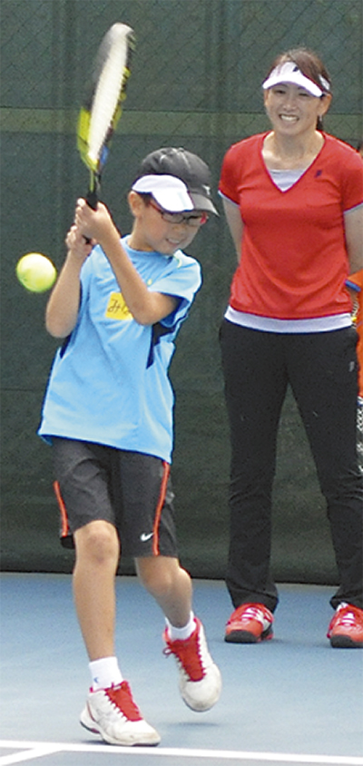杉山愛さんがテニス指導