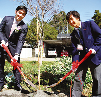友好築く桜を台湾に植樹