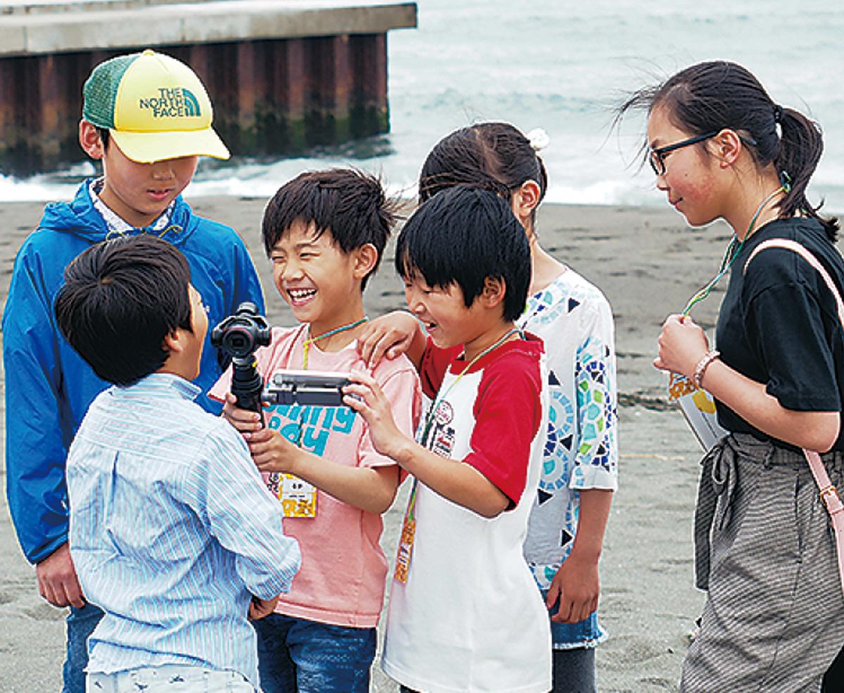 小学生が撮影と上映を体験