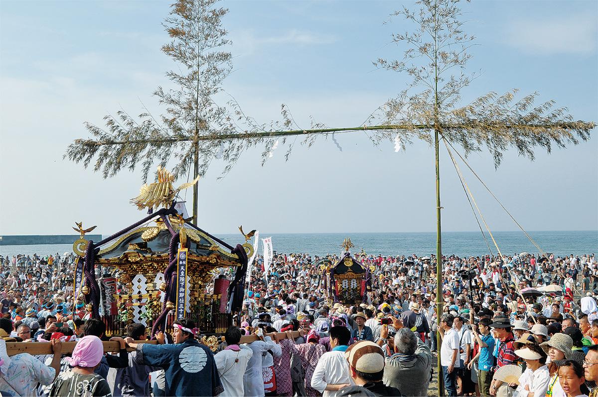 浜降祭に7万7千人