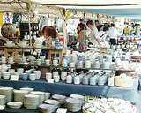全国の陶器が展示