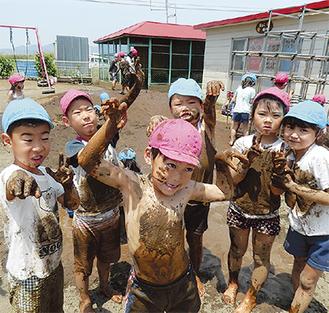 活き活きとした表情を見せる園児たち