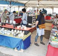 寒川神社で陶器市