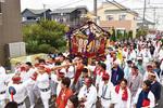 宮山の住宅街を巡る神輿