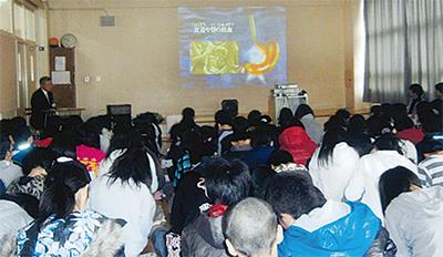 小学生に薬物の講義