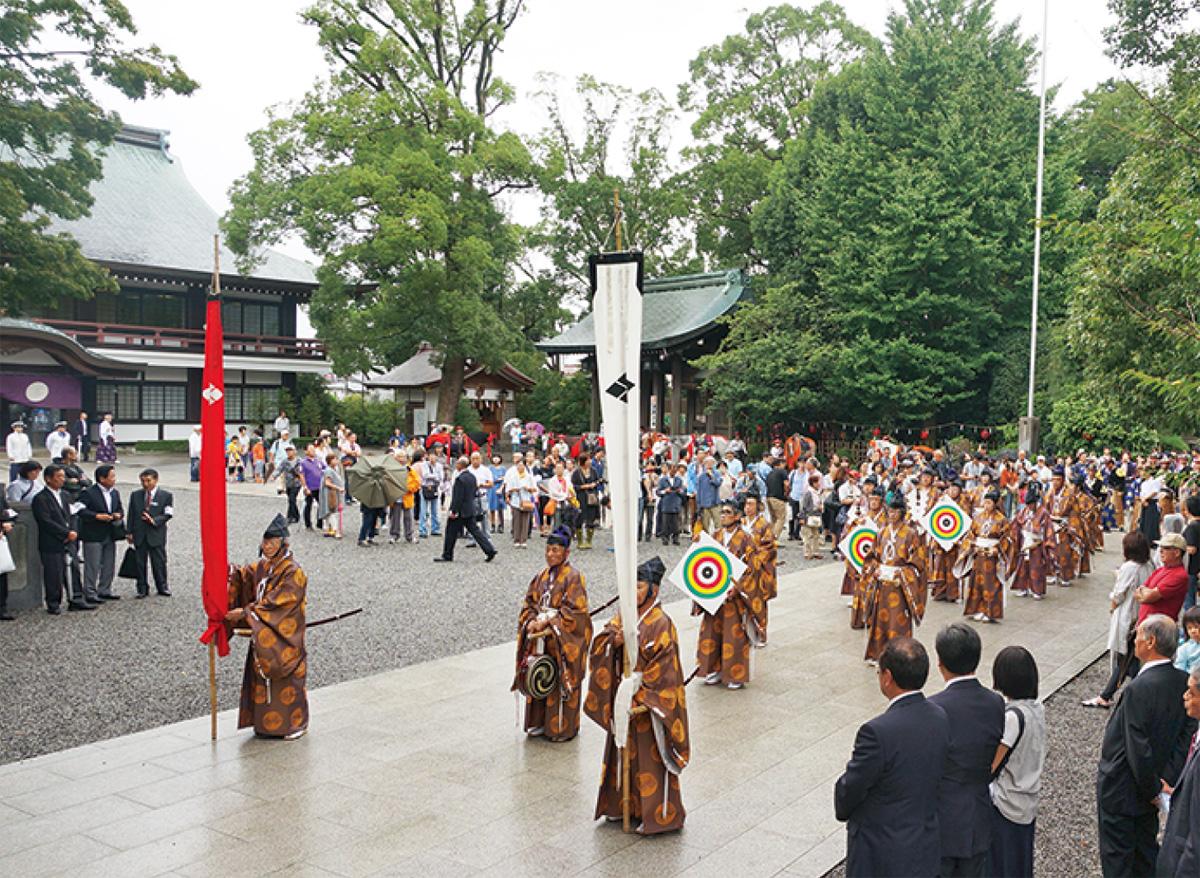 寒川神社で例祭、流鏑馬