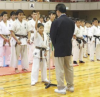 選手宣誓をした同会の田中選手
