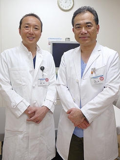 学会指導医でもある壁島康郎外科診療部長(左)と大野副院長「胃の内視鏡は必要と判断され、空腹であれば当日の検査も可能」