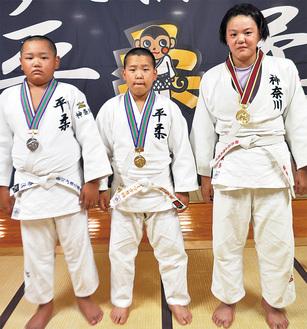 (左から)石川君、山口君、本多さん