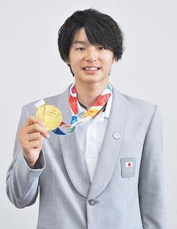 金メダル獲得を報告した土肥さん