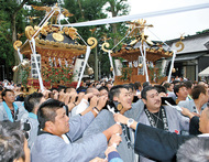 大神輿が新造130年
