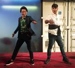 ダンスを披露する中込さん(左/提供写真)