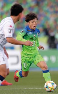 スーパーゴールを決めた松田