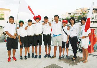 昨年、キプロスでの世界選手権に出場した池田さん(中央、写真提供・池田紀子さん)