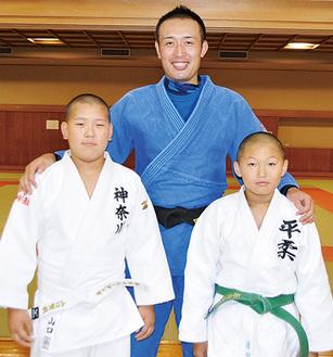 左から山口君、金井さん、原田君