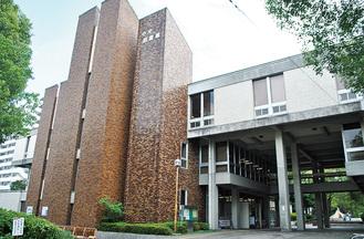 浅間町の中央図書館