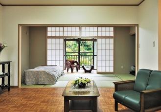 各部屋には和室がありのんびりくつろげる