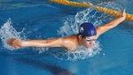 茨さんの力強い泳ぎ(昨年9月撮影)