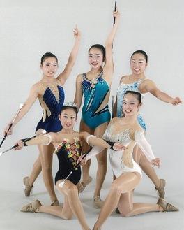 (前列左から)今本怜伽さん、山本ひなたさん、(後列左から)鈴木心和さん、山本羽さん、鈴木結和さん