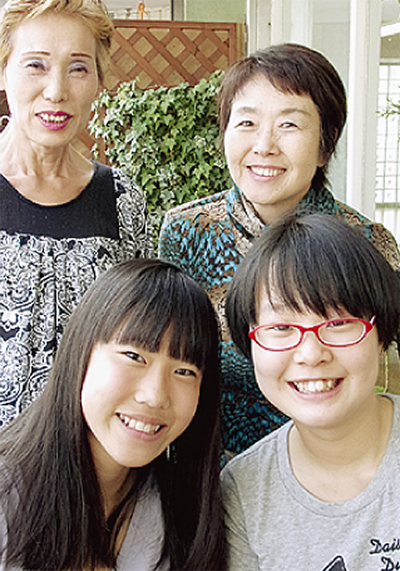 祖母と孫の