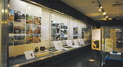城館を切り口に博物館初の中世展