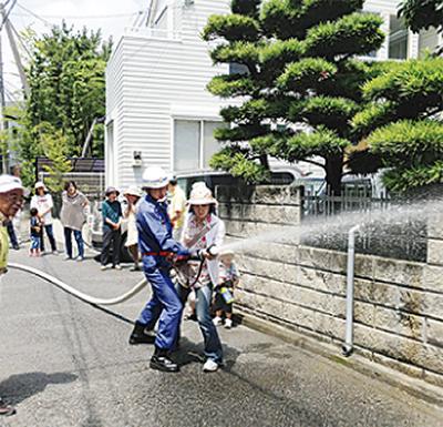 桃浜町で消火訓練