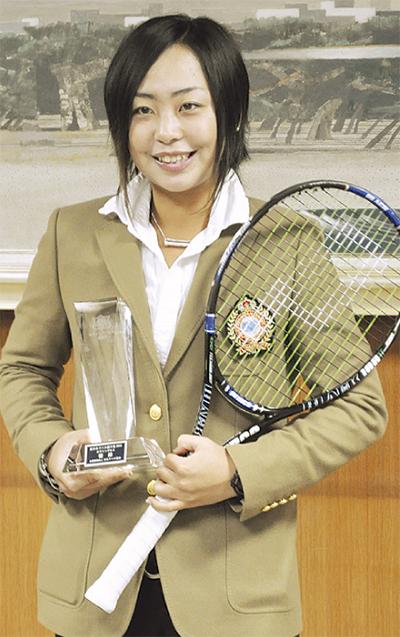 全日本テニス選手権制す