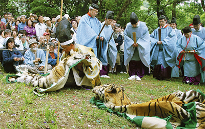 5日に相模国府祭(こうのまち)