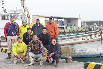 平塚の海へ夢抱き就漁