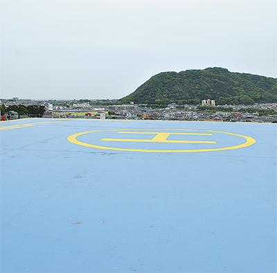 屋上ヘリポートを初公開