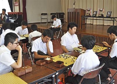 小中学生が囲碁で交流
