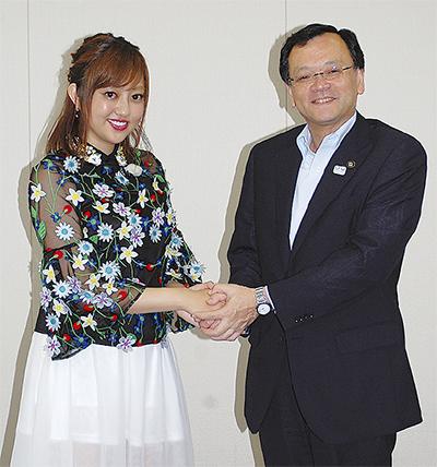 菊地亜美さん平塚競輪PR