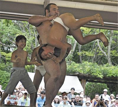 昨年のちびっこ相撲の様子