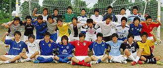 県ベスト4入りを果たした二宮高校サッカー部のメンバー