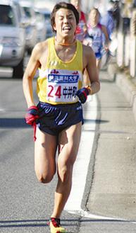 2区を走る中井町の選手(昨年)