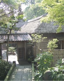 西行祭が行われる大磯の鴫立庵。京都の落柿舎、滋賀の無名庵と並ぶ日本三大俳諧道場のひとつ