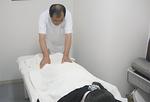 気を注入する手技療法