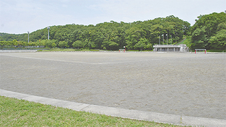 芝生化される多目的広場