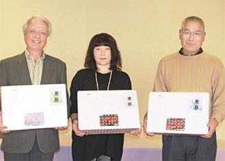 3部門の優勝者。左から沼野さん・柳田さん・加藤さん