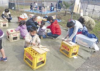 木工を楽しむ参加者