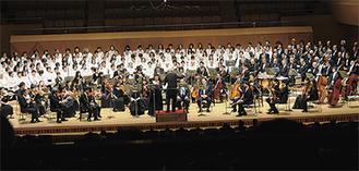 オーケストラとともに楽しく合唱