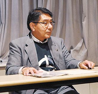 懇談会について説明する野島教育長