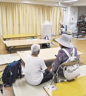 台風警戒で避難も