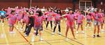 ダンスの練習をするジャギーキッズの子どもたち