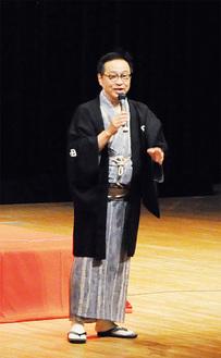 体験談を語る三代目桂花團治さん