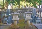 大慈寺に並ぶ原敬と妻・浅のお墓