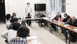 県政報告をする池田議員