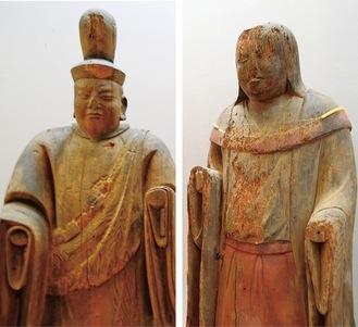展示されている男神立像(左)と女神立像
