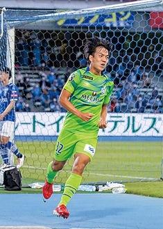 U-18出身の田中聡選手は今季2点目。デュエルに強い湘南らしい選手です