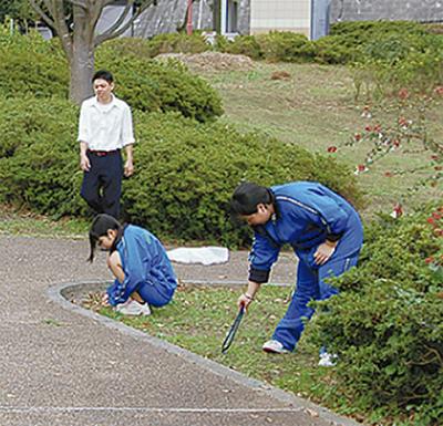 高校生が地域清掃